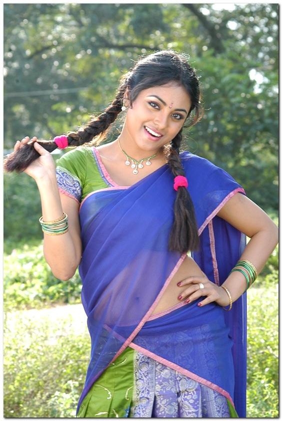 girl changing saree