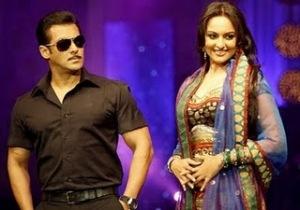 Hot Sonakshi Sinha and Salman Khan Photos
