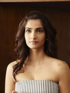 Sonam Kapoor Hot Pics Thank Film you